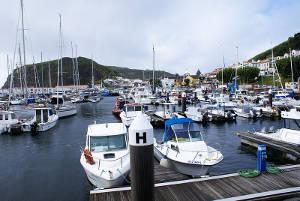 Marina da cidade da Horta, no Faial
